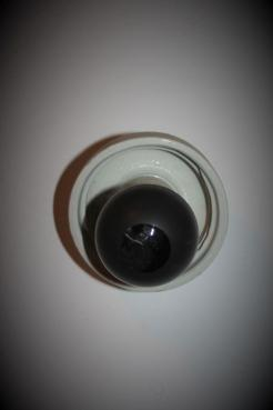 Czarna żarówka używana w czasie wojny