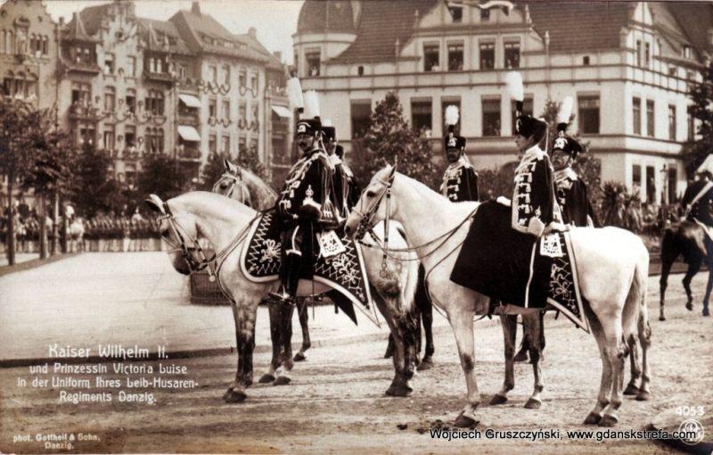Cesarz Wilhelm II i księżniczka Viktoria Luise podczas parady w Gdańsku w 1910r.