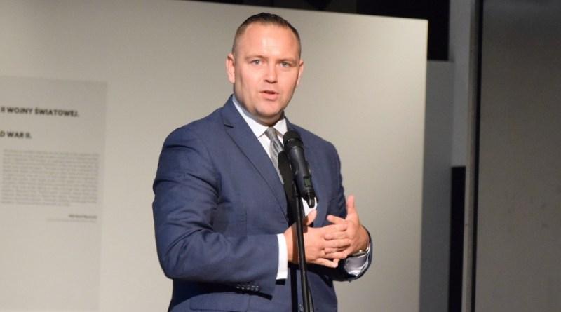 Dr Karol Nawrocki złożył na ręce Ministra Kultury, Dziedzictwa Narodowego i Sportu rezygnację ze stanowiska dyrektora MIIWŚ