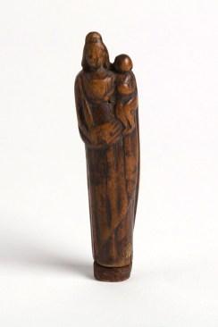 Drewniana figurka Madonny