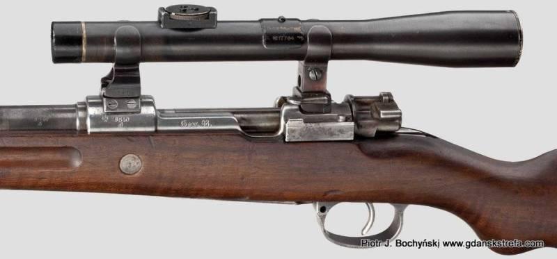 """Karabin Mausera G98 z celownikiem optycznym zamontowanym na montażu typu """"gdańskiego"""" – widok z lewej strony. (fot.Hermann Historica)"""