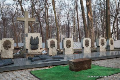 Prace ekshumacyjne przeprowadzone na Westerplatte
