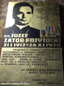 Tablica pamiątkowa przypominająca zasługi ks. Zator - Przytockiego
