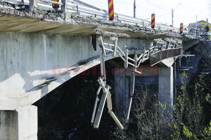 Podul de la Malu Mare prezintă degradări vizibile