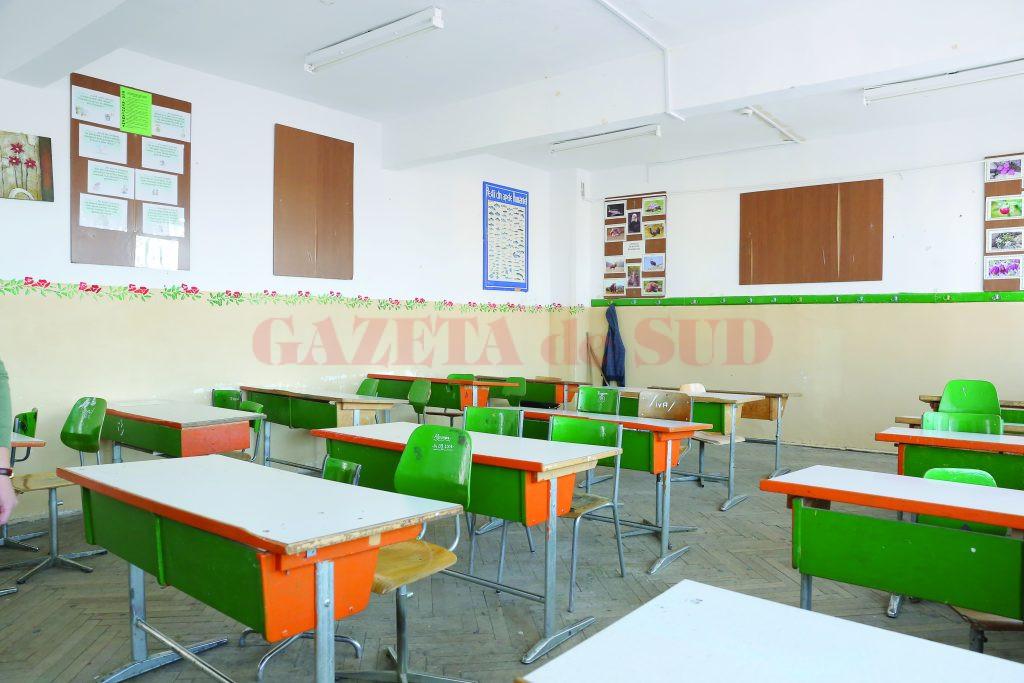Gorj: Trei cazuri noi de coronavirus în școli
