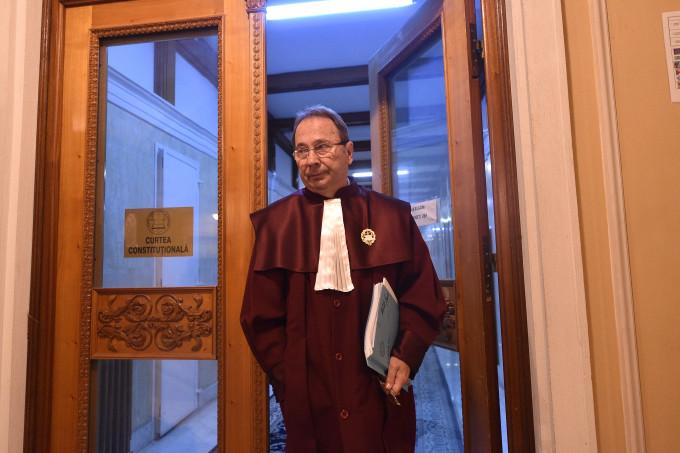 CCR nu invalidează mandatul de parlamentar al lui Dragnea
