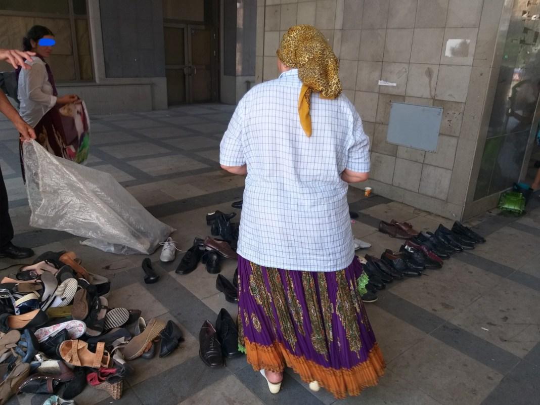 Comercianţii ilegali de la Piaţa Centrală, sancţionaţi