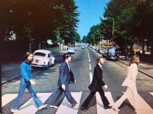 Fanii trupei Beatles aniversează 50 de ani de la celebra fotografie de pe Abbey Road