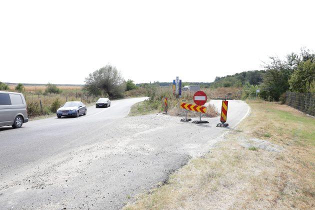 Firma SECOL trebuie să construiască un pod nou peste canalul de la Bratovoeşti. Aşa arată acum lucrările