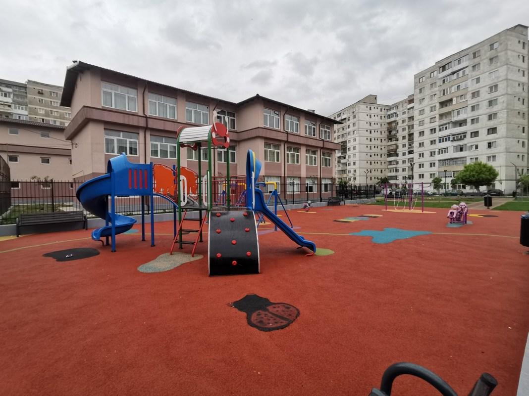 A fost modernizat şi locul de joacă de la Grădiniţa Ostroveni