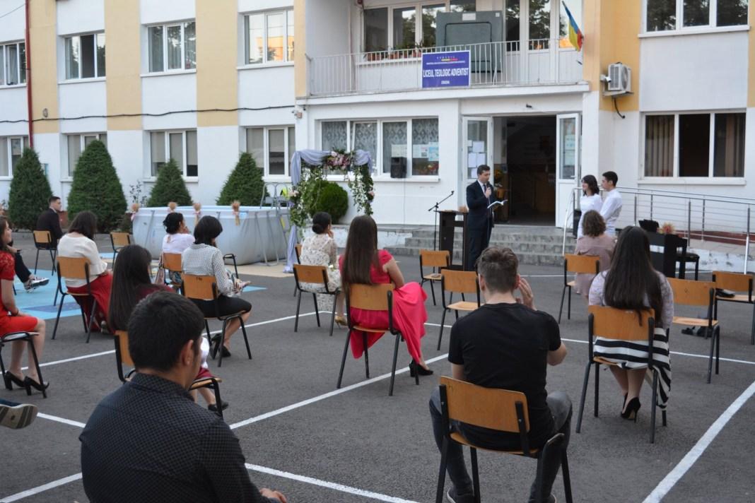 Un alt liceu din Craiova suspendă cursurile faţă în faţă