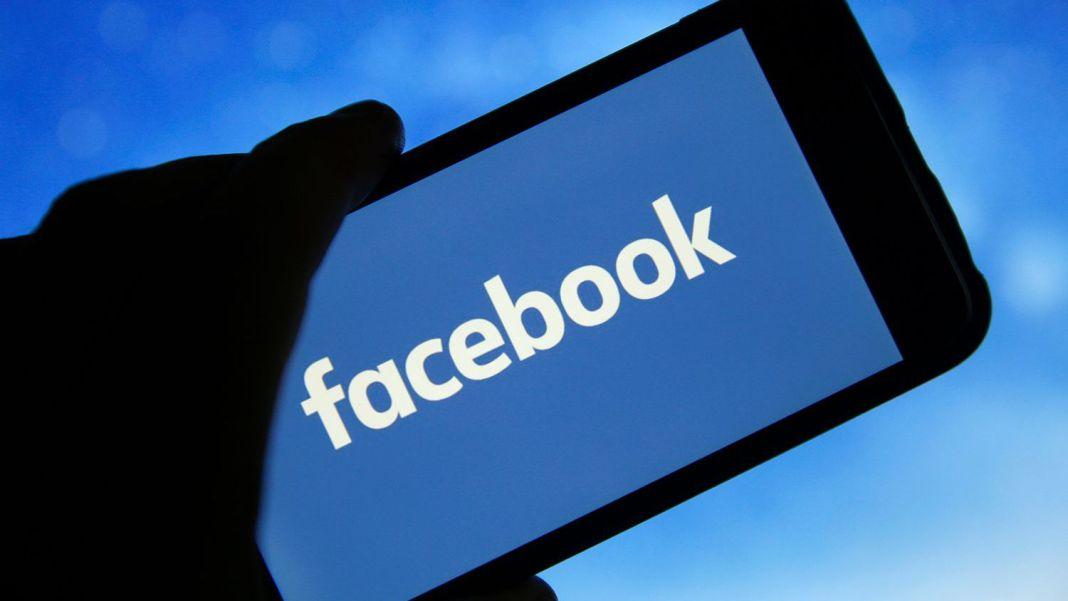 Facebook închide rețele de conturi și pagini false din mai multe țări