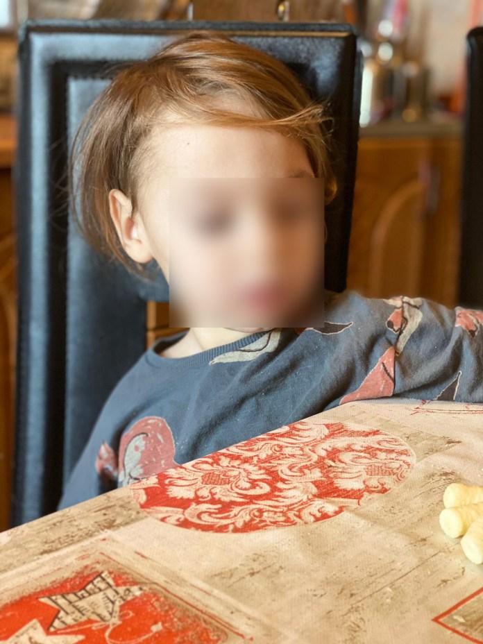 Unul dintre cei doi gemeni diagnosticat cu autism