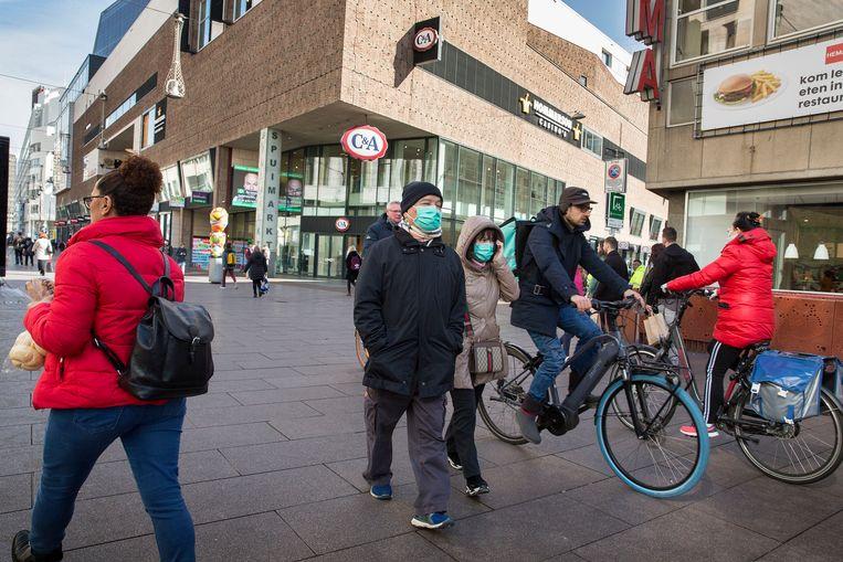 Olanda amână o nouă relaxare a restricţiilor anti-COVID
