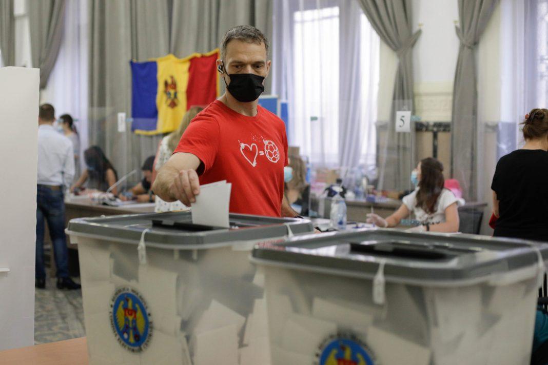 Prezenţa scăzută la urne în alegerile parlamentare din Republica Moldova. Sub 50%, dintre moldoveni au votat (Inquam Photos / George Călin)