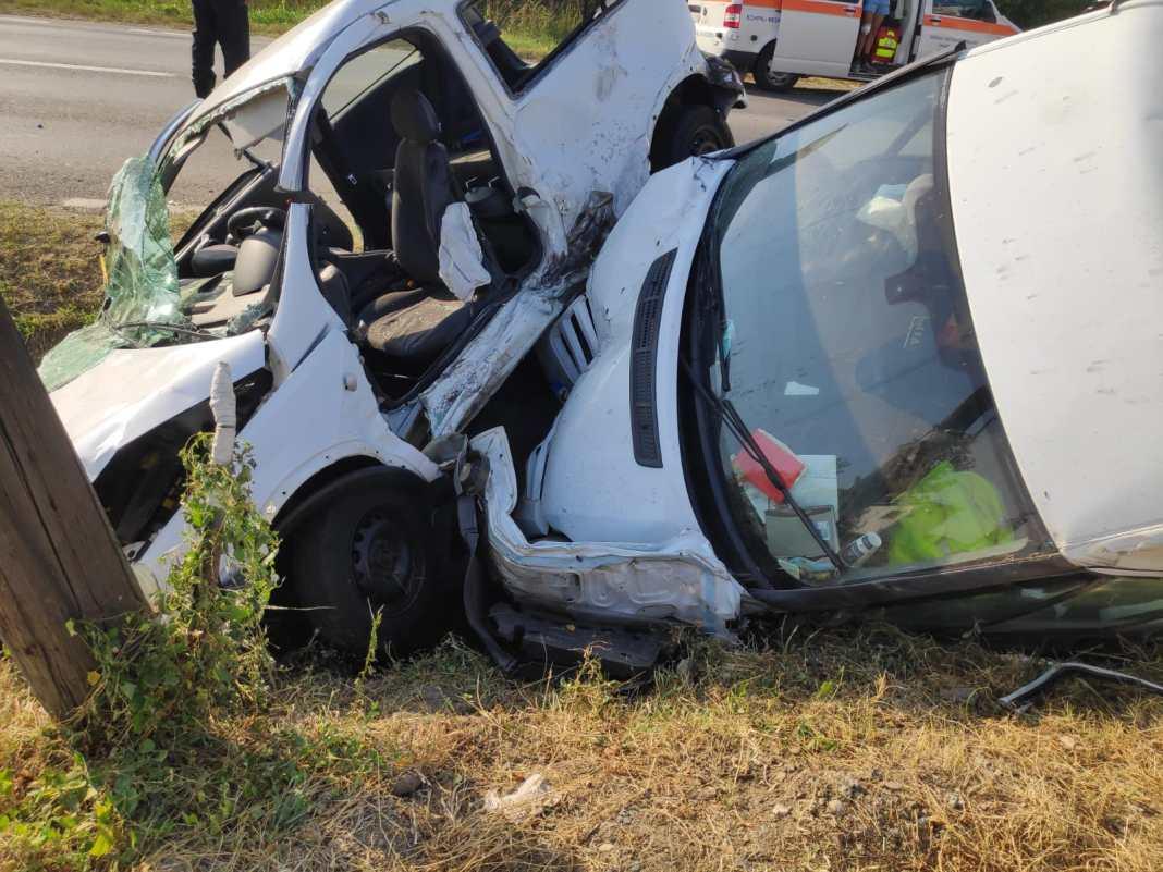 Două autoturisme, implicate într-un accident rutier în Râmnicu Vâlcea