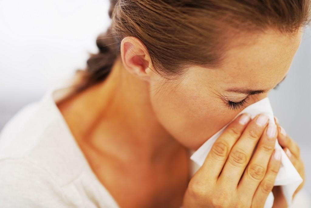Alergiile sezoniere și praful din casă – cum ne afectează, cum le prevenim?