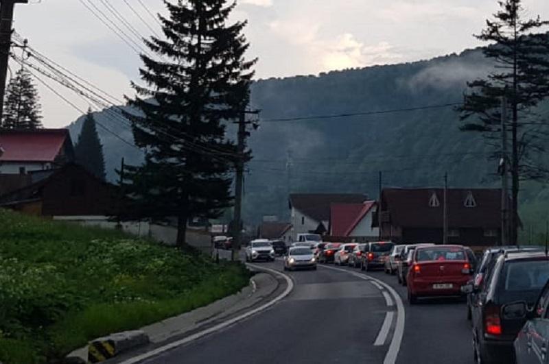Aglomerație pe Drumul Național 1 Brașov – Ploiești (Foto: Observatorul Prahovean)