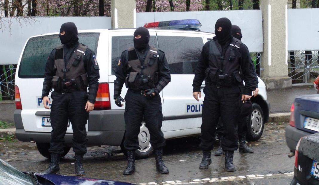 Percheziții în București și alte cinci județe. Au fost fraudate informatic instituţii publice din România şi Spania