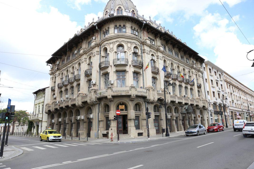 Lucrările de reabilitare a clădirii Palace aduc şi restricţii de circulaţie în zonă până la sfârşitul anului
