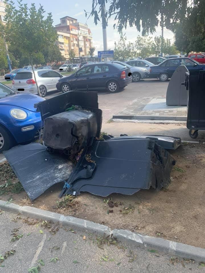 Containere distruse/sursa foto:facebook:Grup Craiova Cetatea Banilor Las Vegasul Romaniei