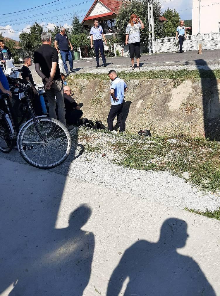 Gorj: Motociclist rănit după ce s-a ciocnit cu o maşină
