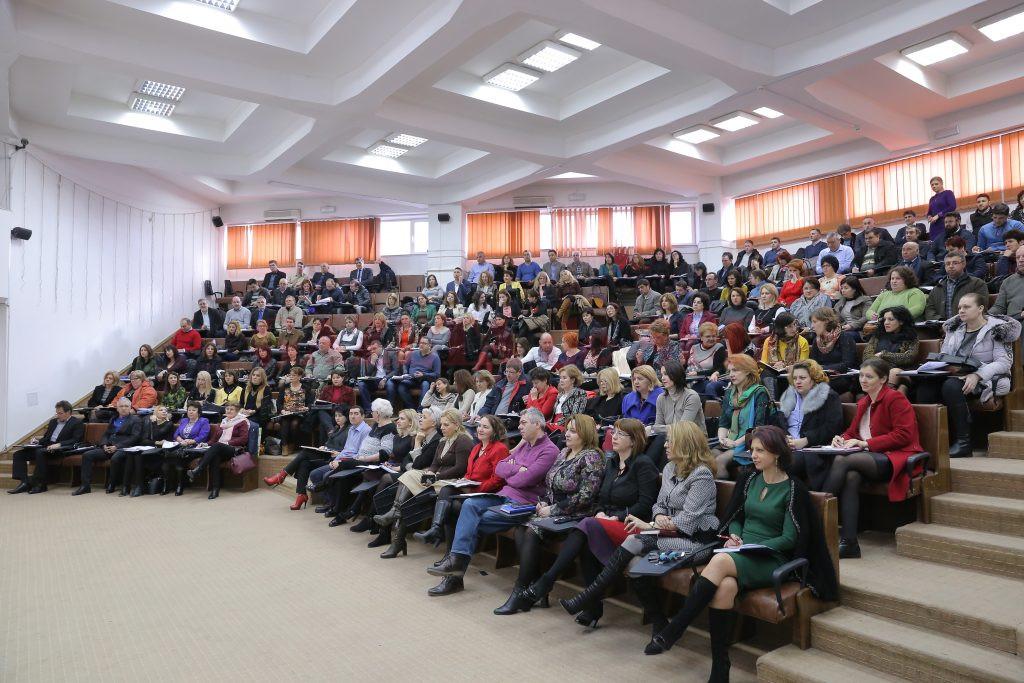 În Dolj sunt peste 370 de candidaţi înscrişi la concursul pentru directori de şcoli