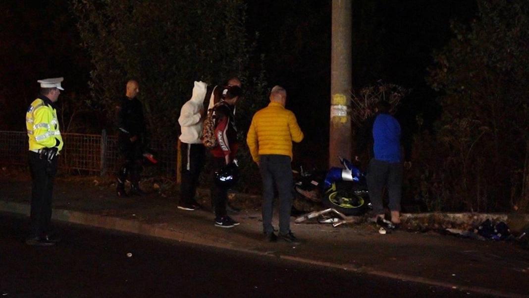 Motociclist ucis de un șofer care a trecut cu mașina peste linia dublă continuă