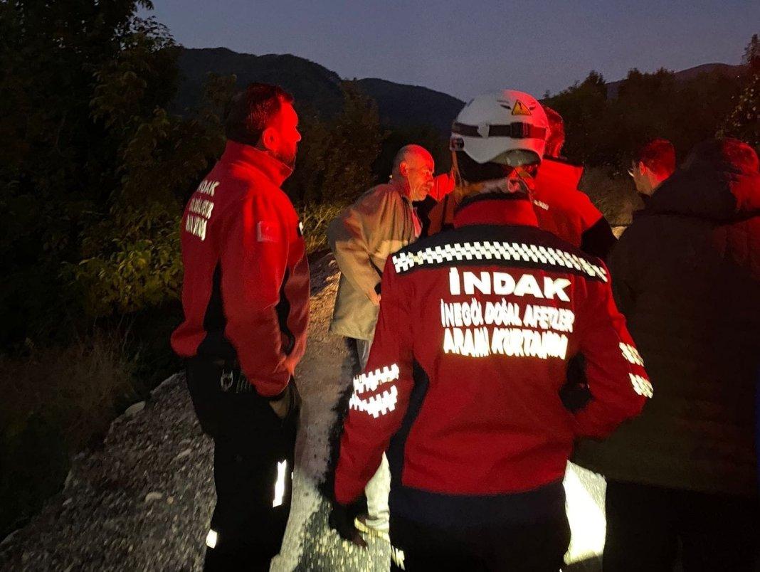 Un bărbat beat dat dispărut s-a alăturat echipei de salvatori care îl căuta