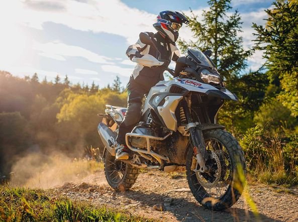 the Bmw R 1250 GS: the price list of the German enduro starts at 18,150 euros: despite being very expensive,