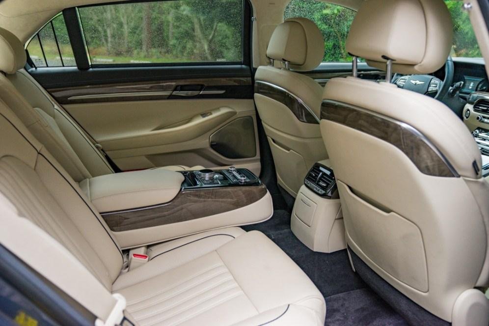 Genesis G90 backseat
