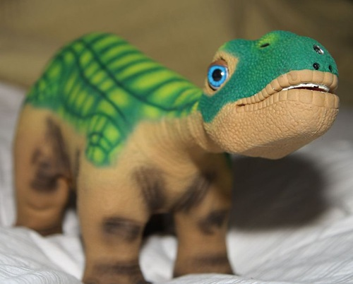 The Ugobe Pleo Robotic Dinosaur Review  The Ugobe Pleo Robotic Dinosaur Review