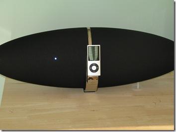 Review: The Bowers & Wilkins Zeppelin Speaker  Review: The Bowers & Wilkins Zeppelin Speaker