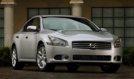 GearDiary Nissan screaming 'Maxima is back' with 2009 model