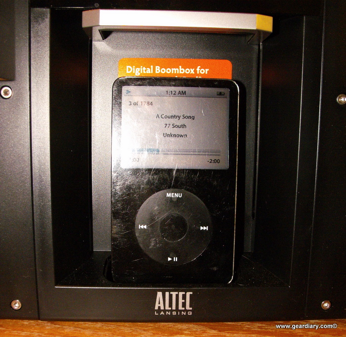Review: Altec Lansing MIX iMT800 Dock for iPhone and iPod  Review: Altec Lansing MIX iMT800 Dock for iPhone and iPod