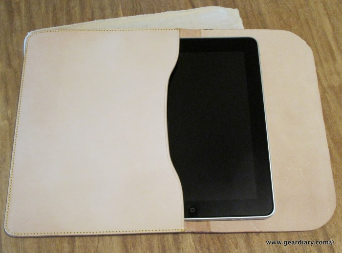 iPad Accessory Review: The Aligata Nude Beauty Leather Envelope  iPad Accessory Review: The Aligata Nude Beauty Leather Envelope  iPad Accessory Review: The Aligata Nude Beauty Leather Envelope  iPad Accessory Review: The Aligata Nude Beauty Leather Envelope