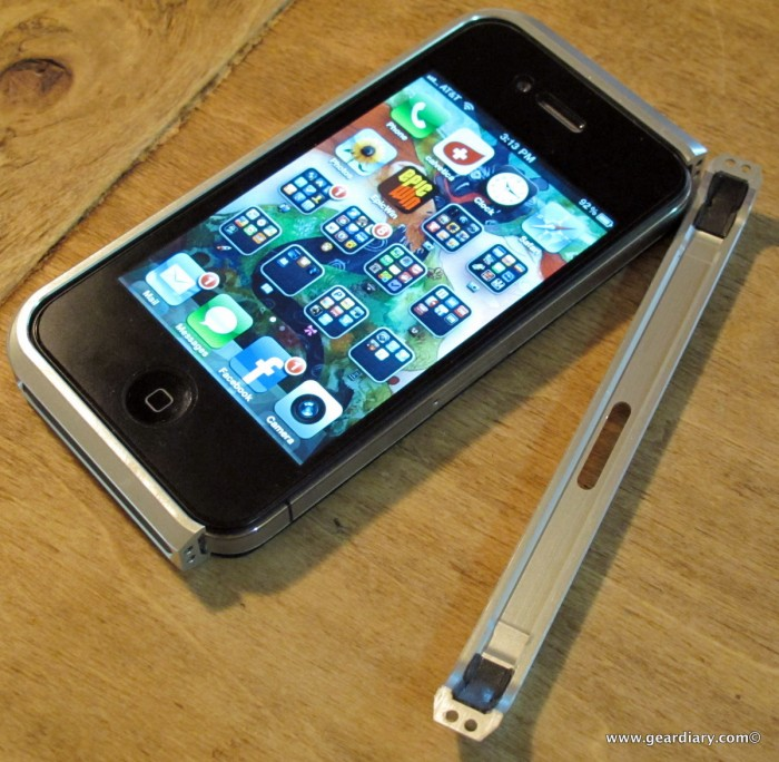 iPhone Accessory Review: The Element Case Vapor for iPhone 4