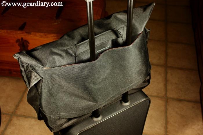 Review: Everki Track Laptop Messenger Bag