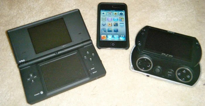 Game System Retro-Review: iPod Touch, the MP3 Player That Killed Nintendo and Sony's Gaming Systems
