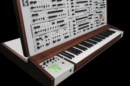 Schmidt Eightvoice Analog Synthesizer thoroughbred back with third 25-unit batch beckoning