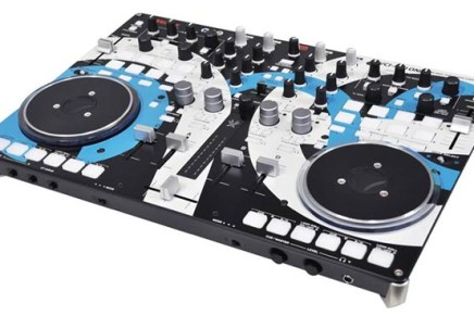 Vestax and Audio Artery collaborate for the VCI-400 ONE