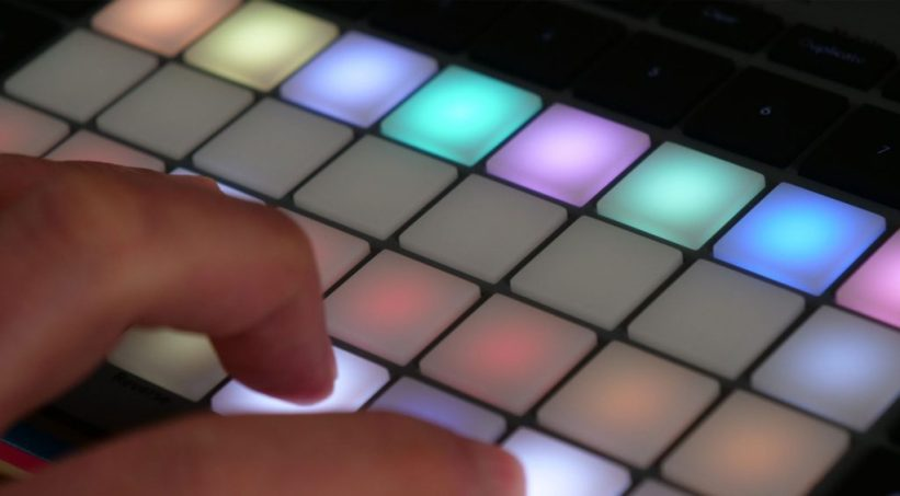 Novation Circuit Rhythm playing with the Grid FX