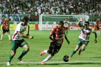 Felipe Garcia fez grande partida, e marcou o primeiro gol Xavante no jogo. Foto: Jonathan Silva