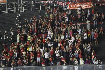 Torcida Xavante se fez presente em grande número no São Januário, no Rio de Janeiro. Foto: Carlos Insaurriaga