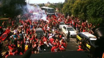 Na chegada da delegação em Pelotas, a cidade parou para recepcionar os guerreiros rubro-negros. Foto: DVG