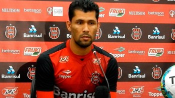 Marlon prevê partida difícil contra o Joinville. Foto: Carlos Insaurriaga