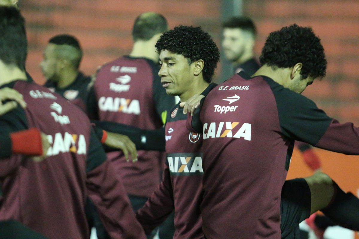 Atacante Misael, de 31 anos, acerta com o Brasil-Pel para o restante da temporada