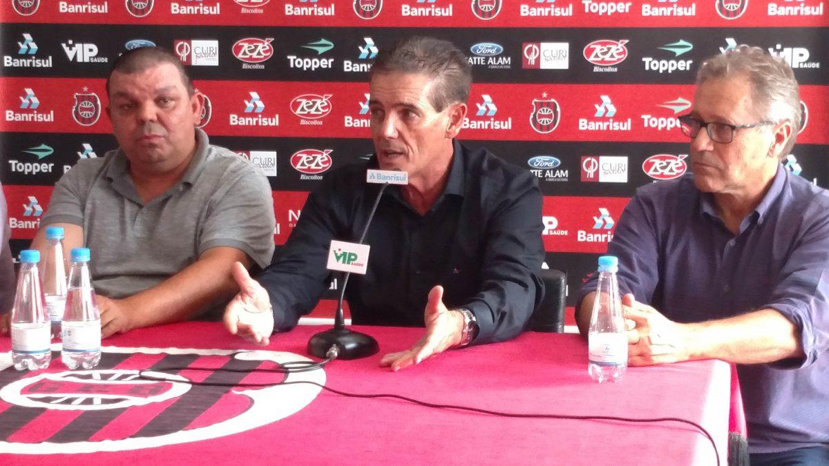 Brasil-Pel anuncia o técnico Paulo Roberto Santos para as disputas de 2019