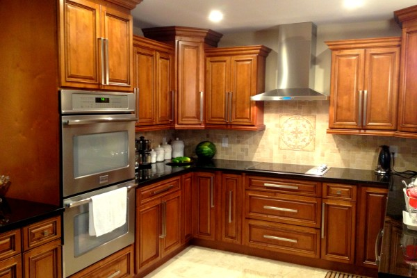 Glazed RTA Maple Kitchen Cabinets in Minnesota, USA on Maple Cabinets  id=20008