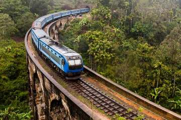 Train in Ella, Sri Lanka Nine Arch Bridge